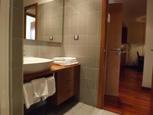 Un baño de Roca Nevada Resort