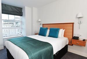 Легло или легла в стая в Royal Athenaeum Suites