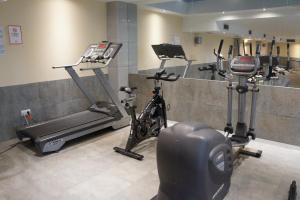 Het fitnesscentrum en/of fitnessfaciliteiten van Apartamentos Marina Turquesa
