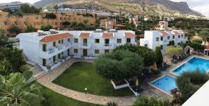 Een luchtfoto van Nikolas Villas Appartments