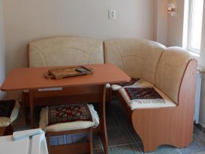 O zonă de relaxare la Apartament Teri