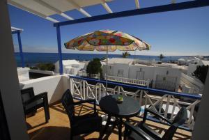 A balcony or terrace at El Lago del Mar