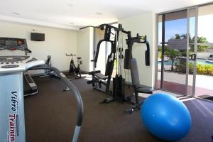 The fitness center and/or fitness facilities at Signature Waterfront Apartments