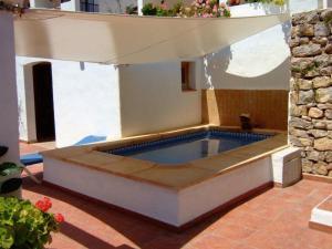 The swimming pool at or near Apartments Pims Cala Llonga