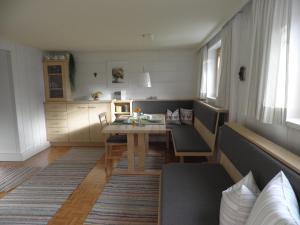 Küche/Küchenzeile in der Unterkunft Ferienwohnung Kaufmann