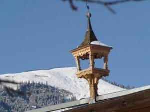 Obersinnlehenhof during the winter