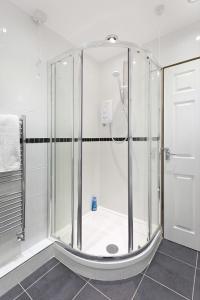 A bathroom at Emporium City Centre Self Catering & Annexe