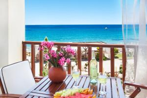 Γενική θέα στη θάλασσα ή θέα στη θάλασσα από  αυτό το ξενοδοχείο διαμερισμάτων