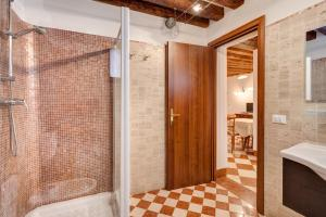 A bathroom at Nice Venice Apartments in San Marco