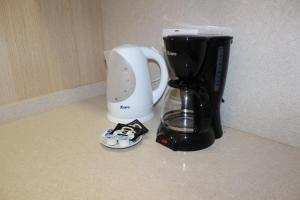 Coffee and tea-making facilities at Las Palmas Urban Center