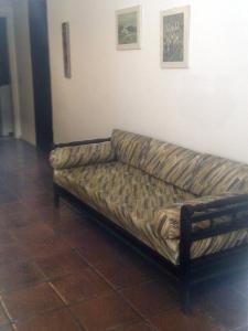 A seating area at Apartamento Cote d'Azur Enseada