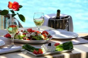 Lunch and/or dinner options for guests at Peridis Family Resort