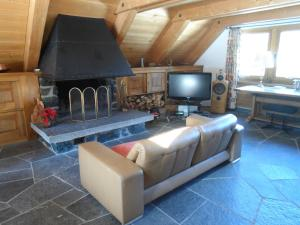 A television and/or entertainment center at Chalet Atelier