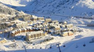 Apartamentos Candanchu VTV зимой