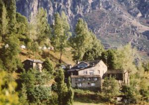 A bird's-eye view of Masia Can Constans