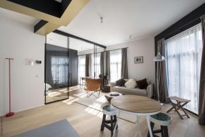 A seating area at Smartflats Premium - Palace du Grand Sablon