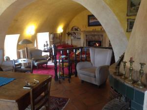 The lounge or bar area at Il Rifugio