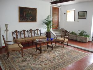 A seating area at Casa do Edro