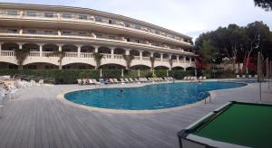 The swimming pool at or near Aparthotel Diamant