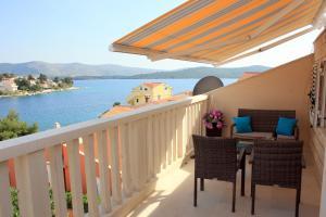 A balcony or terrace at Apartments Pralija