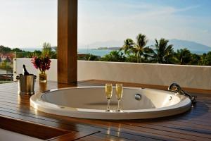 A bathroom at Samui Luxury Pool Villa Melitta