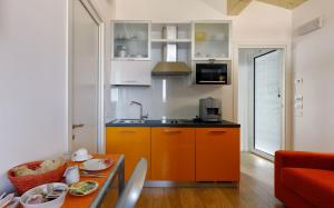 A kitchen or kitchenette at Eco Venice