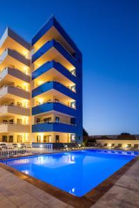 The swimming pool at or near Ibiza Heaven Apartments