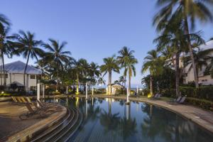 The swimming pool at or near Coral Sands Beachfront Resort