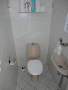 A bathroom at Apartment Beyaert