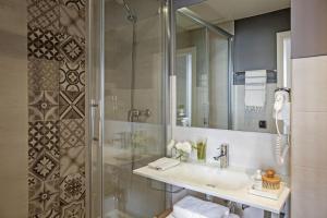 A bathroom at AinB Born-Dames Apartments