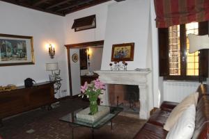 The lobby or reception area at Campo dei Fiori Jewel