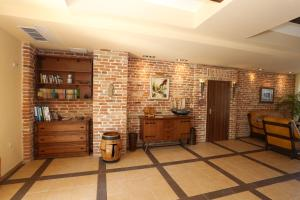 A kitchen or kitchenette at Galeria Holiday Apartments