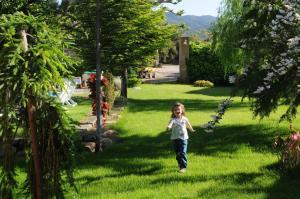 Niños alojados en Castell de Riudabella