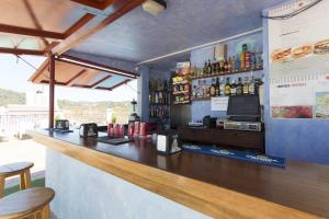 The lounge or bar area at Apartamentos Casa Maria