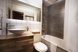 Ein Badezimmer in der Unterkunft Boutique Apartment next to Stadium Letzigrund - by Airhome