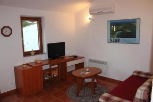 TV a/nebo společenská místnost v ubytování Apartments Marszalek