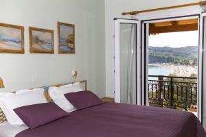 A bed or beds in a room at Villa Chris