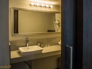 A bathroom at Studio28 Boutique Rooms