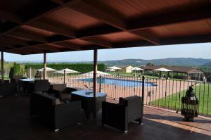 Uitzicht op het zwembad bij Mas Ferran of in de buurt