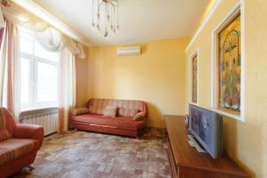 A seating area at Nice Flats Mayakovskaya