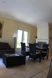 A seating area at Les Pres de Gordes