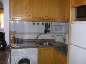 A kitchen or kitchenette at Villa Cristal 4005 - Resort Choice