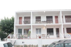 Apartamentos Sirenas (España Cambrils) - Booking.com