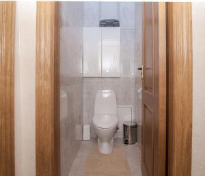 A bathroom at Apartment Na Kutuzovskiy Prospect
