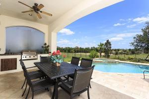 A piscina em ou perto de Reunion Resort Villa W127