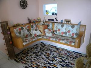A seating area at Apartamento Chile