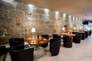 Restaurant ou autre lieu de restauration dans l'établissement Reis de Gaia