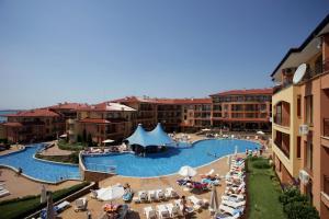 Вид на бассейн в Apartcomplex Panorama Dreams или окрестностях