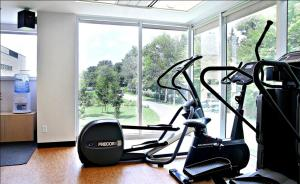 The fitness center and/or fitness facilities at Residence & Conference Centre - Ottawa Downtown