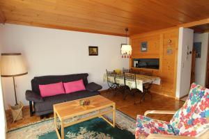 Lounge oder Bar in der Unterkunft Forêt C13